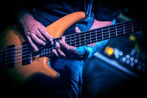"""TOMÁŠ """"Julo"""" BALON - Hrám pomaly už 20 rokov na 5 strunnej basgitare"""